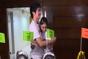 "Joshua Garcia and Julia Barretto battle it out on ""Matanglawin"""