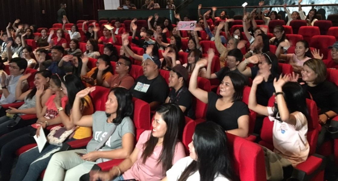 "TFC treats subscribers to a block screening of LizQuen film ""Alone/Together"""