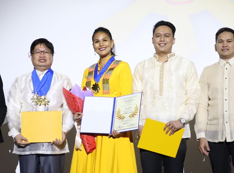 Iza Calzado wins Best Actress  Drama Series