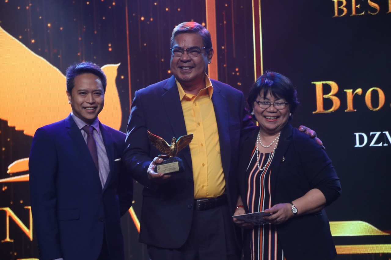 Dr  Love, Bro  Jun Banaag, O P  of DZMM was recognized for Best Radio Variety Program Host