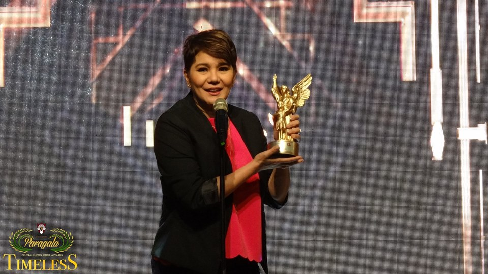 Amy Perez personally received her award as Best Female Morning Show Host in the 6th Paragala Awards