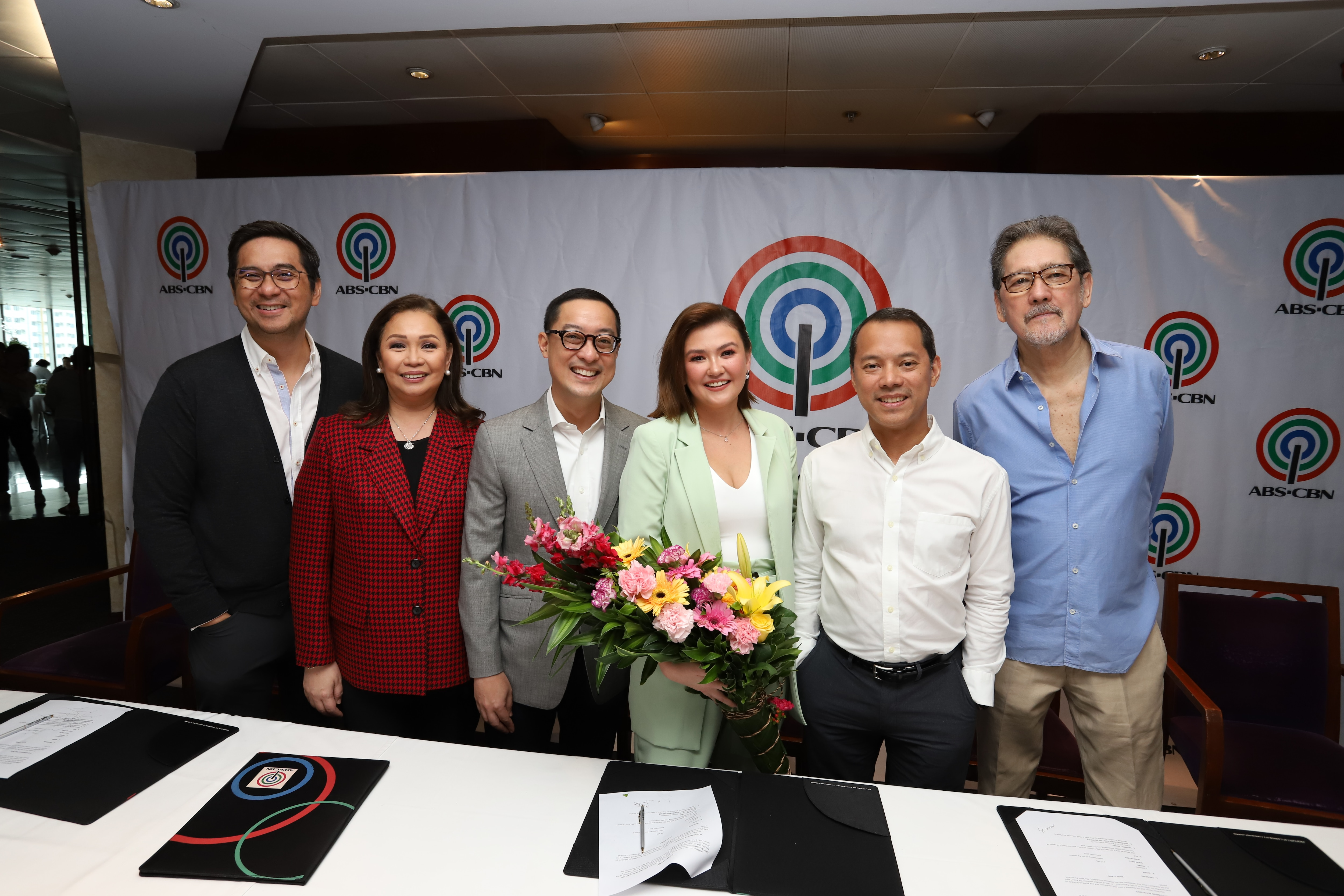 Angelica Panganiban with ABS CBN executives