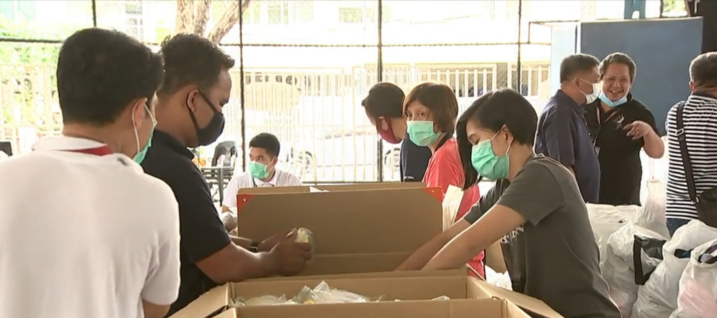 ABS CBN delivers help to health workers  Screengrab from TV Patrol