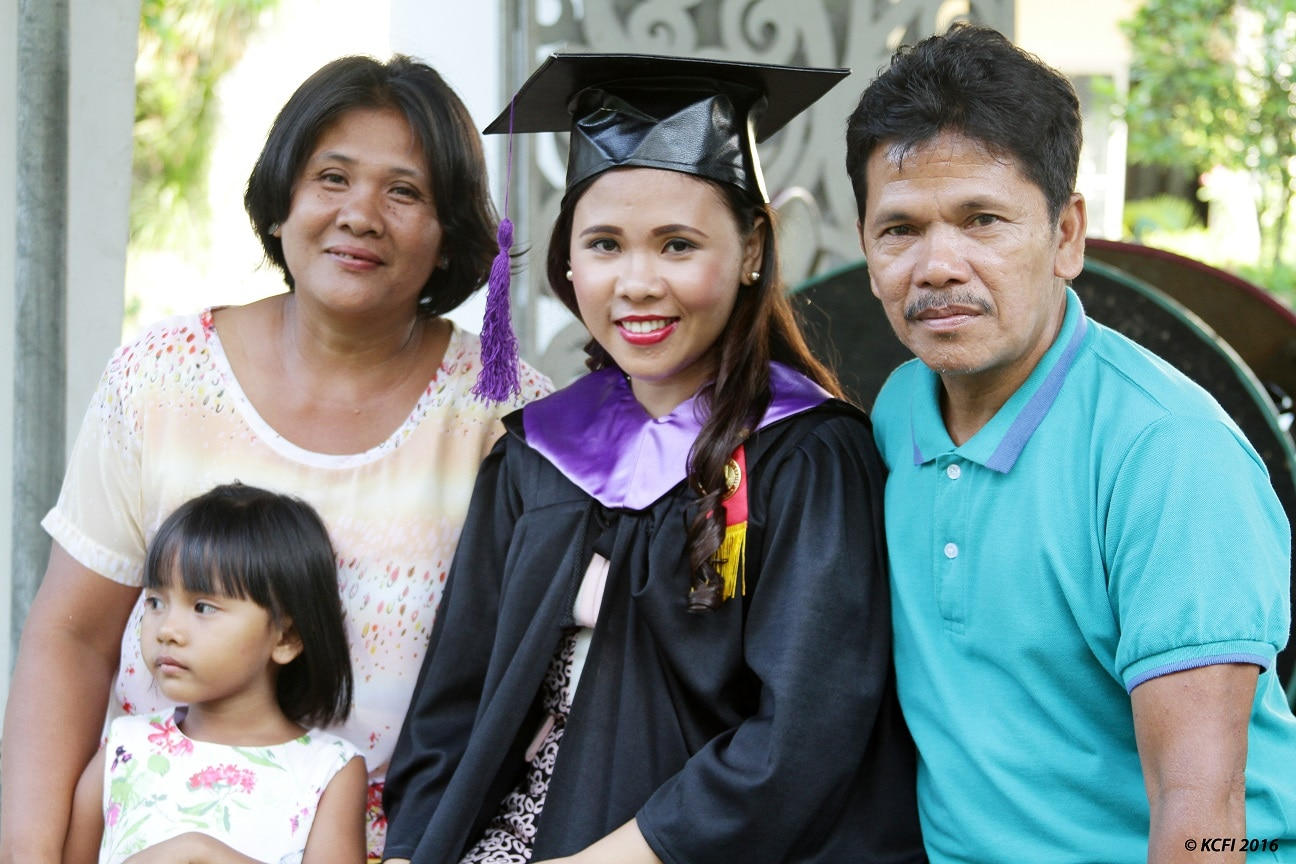 Hilmarie Nimo was determined to finish her studies to help her family overcome poverty