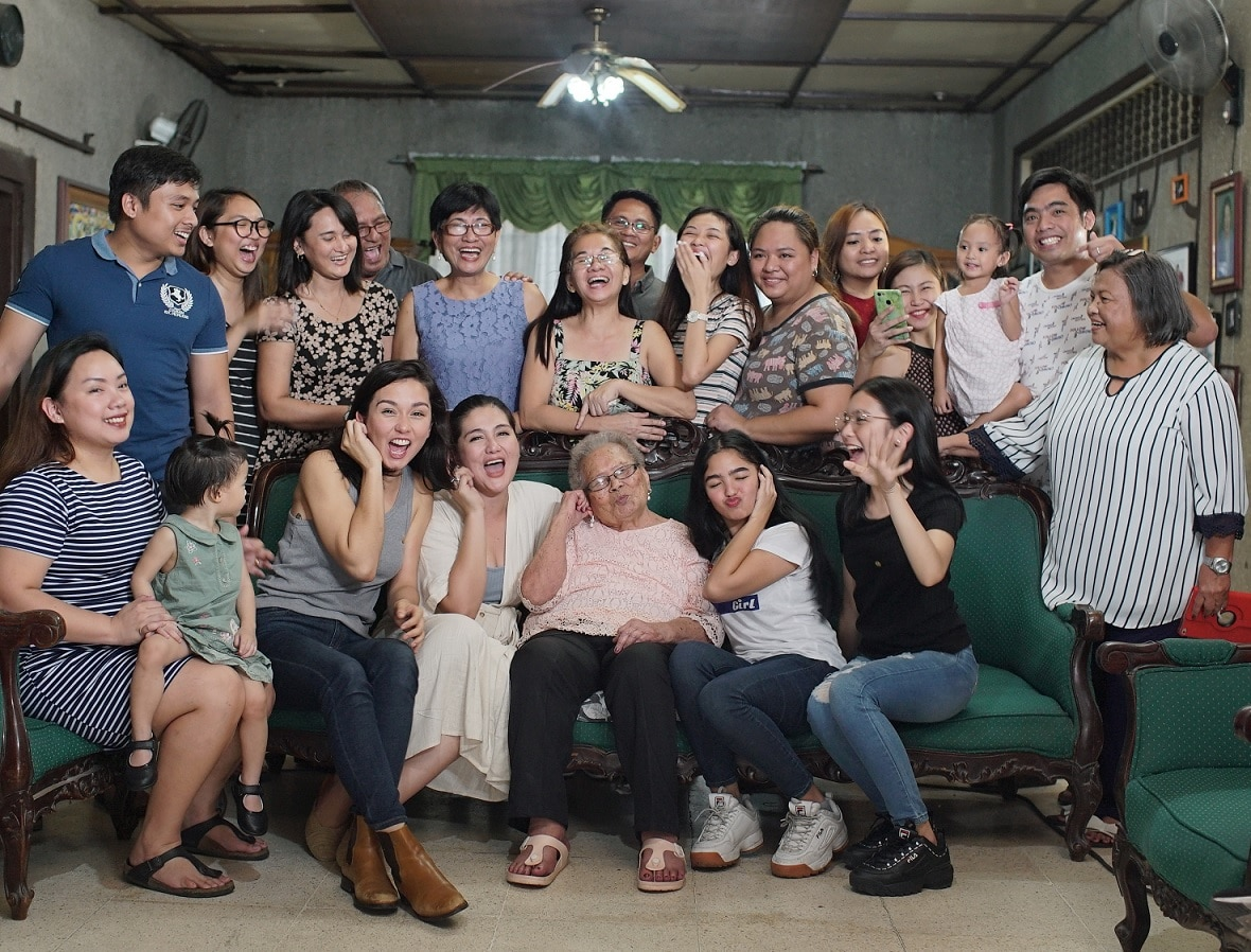 Beauty Gonzalez, Dimples Romana, Andrea Brillantes, and Francine Diaz bonded with Mama Nene and her family