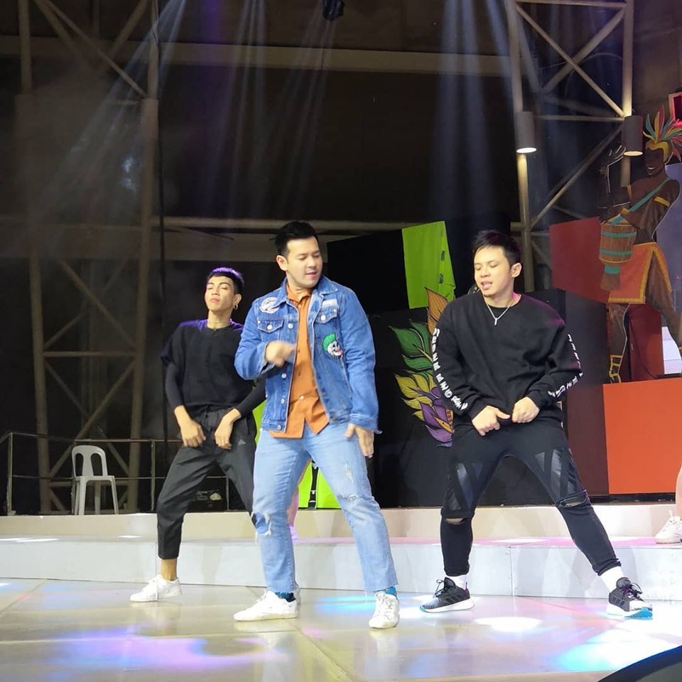 Photo credit to ABS CBN Regional John Prats snuck in a dance number to the joy of the audience