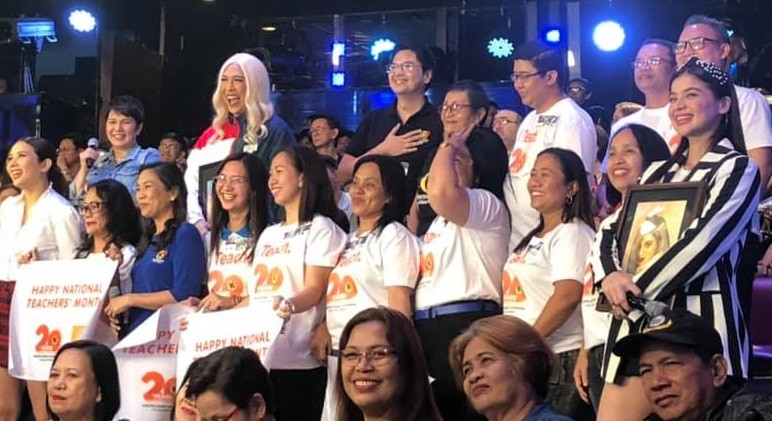 "Knowledge Channel Foundation honors teachers in ""It's Showtime"""