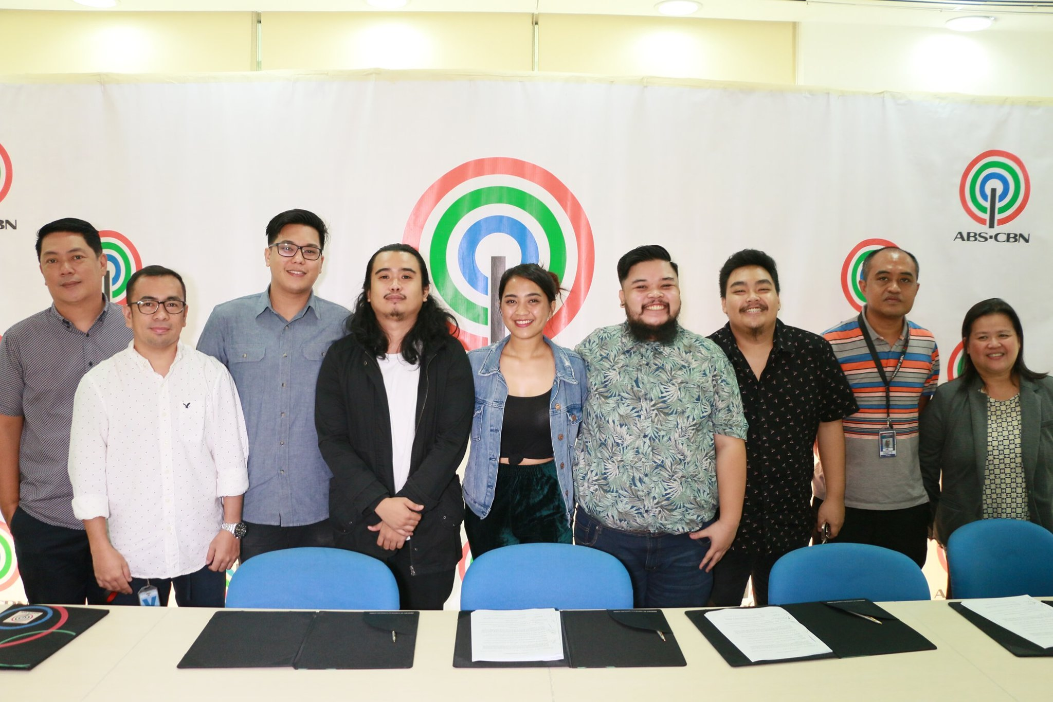 Chiquerella, Hulo, Three Two One, and Cool Cat Ash sign contracts under DNA Music
