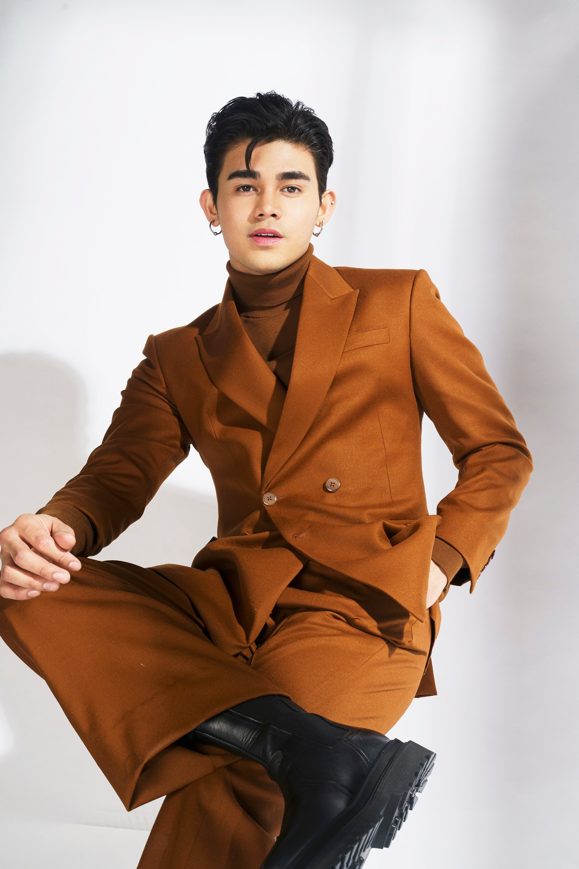 Inigo Pascual All Out of Love (1)