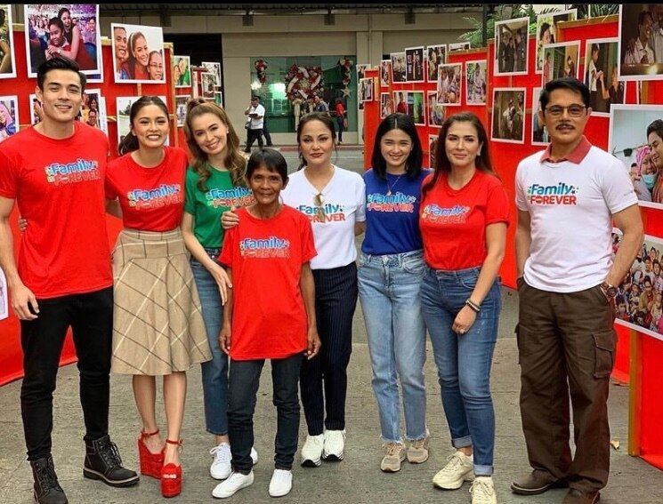 Love Thy Woman cast at ABS CBN's Christmas Station ID shoot