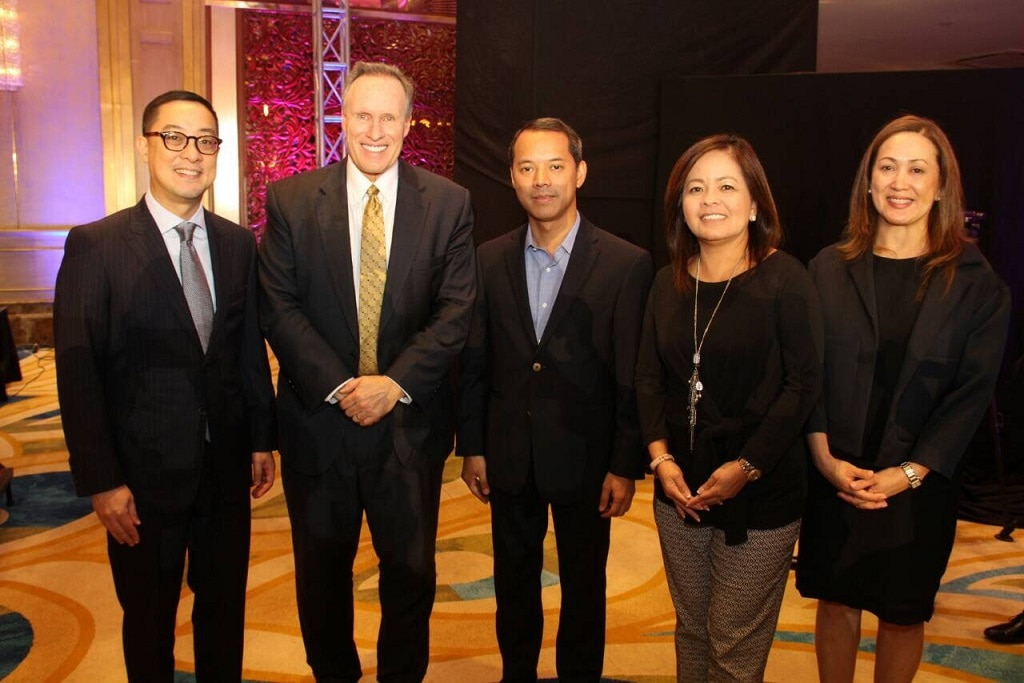 ABS CBN president and CEO Carlo Katigbak, Covey, ABS CBN chairman Mark Lopez, ABS CBN News head Ging Reyes, ANC COO Cilette Liboro Co
