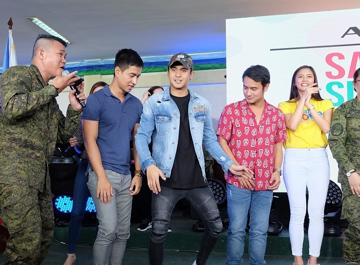 9 Kapamilya stars RK Bagatsing Paulo Angeles JM De Guzman and Kim Chiu challenge soldiers to a dance off (1)