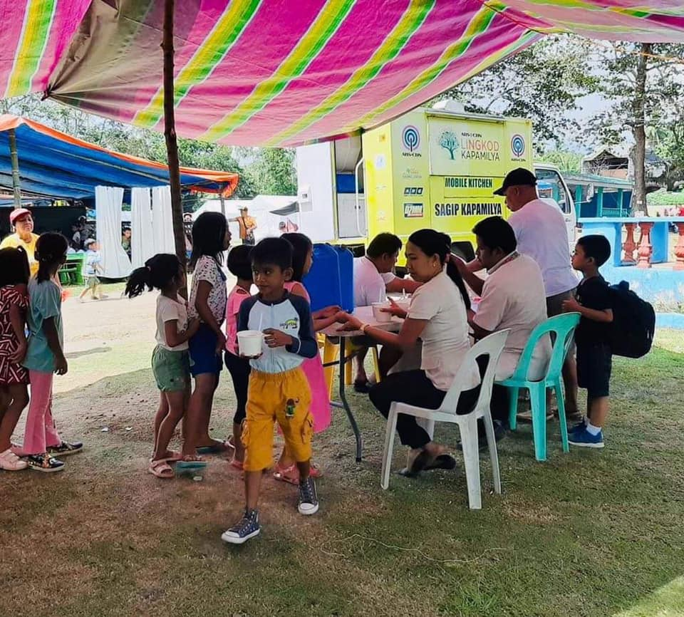 A mobile kitchen was deployed to aid victims of the Mindanao quake  Courtesy ABS CBN Foundation's FB page