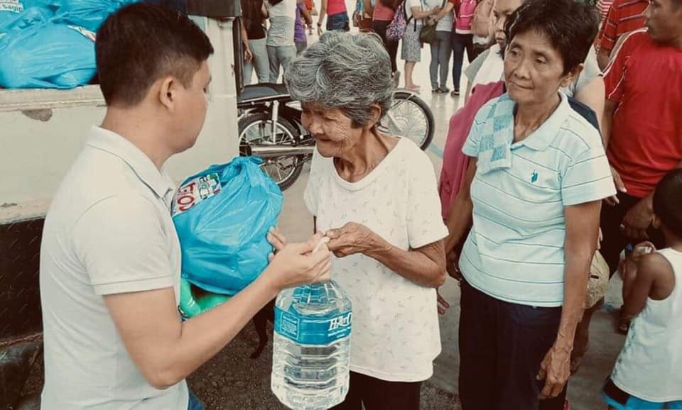 Mindanao quake victims receive help from ABS CBN  Courtesy of ABS CBN Foundation's FB page