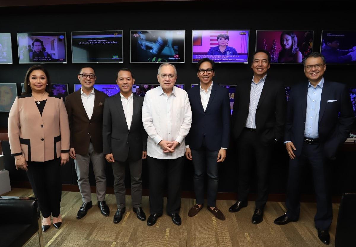 PH Ambassador to the U S  Jose Manuel Romualdez visits ABS CBN